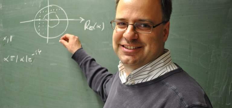 « Le calcul quantique est en train de sortir des starting-blocks de la recherche fondamentale »